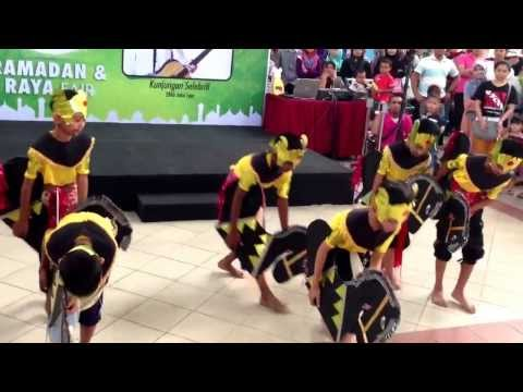 Tarian Kuda Kepang By Sk Seksyen 20 At Giant 13 video