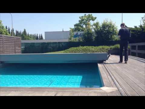 Abrisud couverture tendue coverseal youtube for Couverture piscine tendue 4 saisons