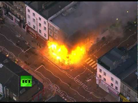 London riots: Cars, buildings ablaze in Peckham, Croydon, Hackney
