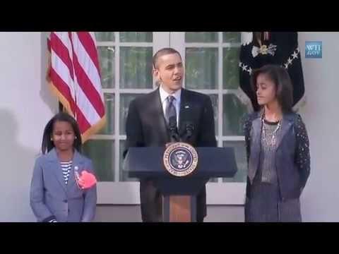 Sasha & Malia Helps Prez Obama Pardons White House Turkey