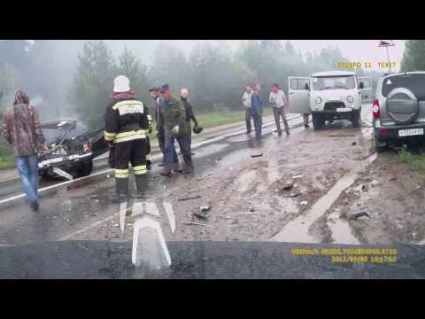 Лобовое ДТП. авария Ваз и Нива шевроле в п.Верхошижемье Кировской области. Весь