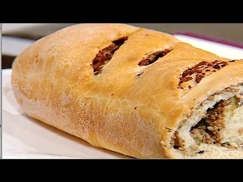 خبز ملفوف باللحمه المفرومه والزيتون  الشيف #وحيد_كمال  من برنامج #الفطاطرى #فوود