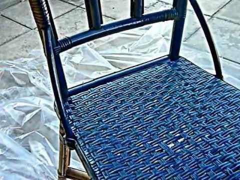 decoration peinture comment retaper une vieille chaise youtube. Black Bedroom Furniture Sets. Home Design Ideas