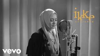 Ikke Nurjanah - Terhanyut Dalam Kemesraan (Official Lyric Video)