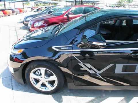2011 Chevrolet Volt Power Up. Exterior/ Interior Review