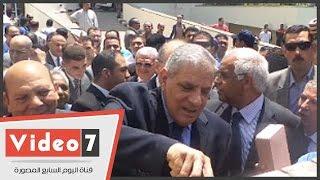 بالفيديو.. شاهد «محلب» يضع حجر أساس جراج مستشفى دار السلام
