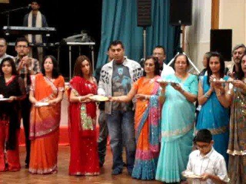 Aum Jay Jagdambe - Arti Gujarati Garba Navratri 2008