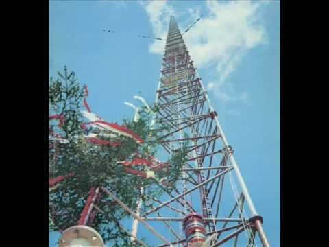 The Warsaw radio mast was the world's tallest structure 646 m / 2120 ft