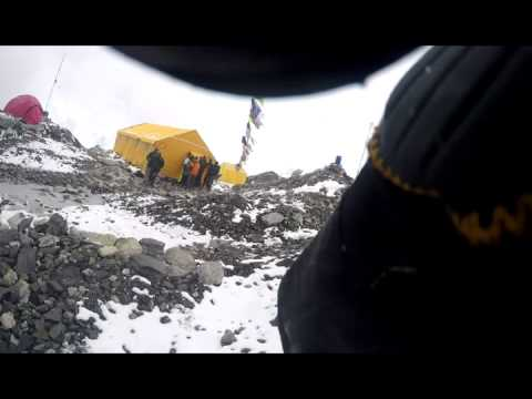Mount Everest Avalanche 2015 (NEPAL EARTH QUAKE) live recording by GoPRO