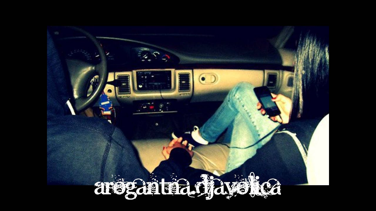 Фото пара в машине 25 фотография