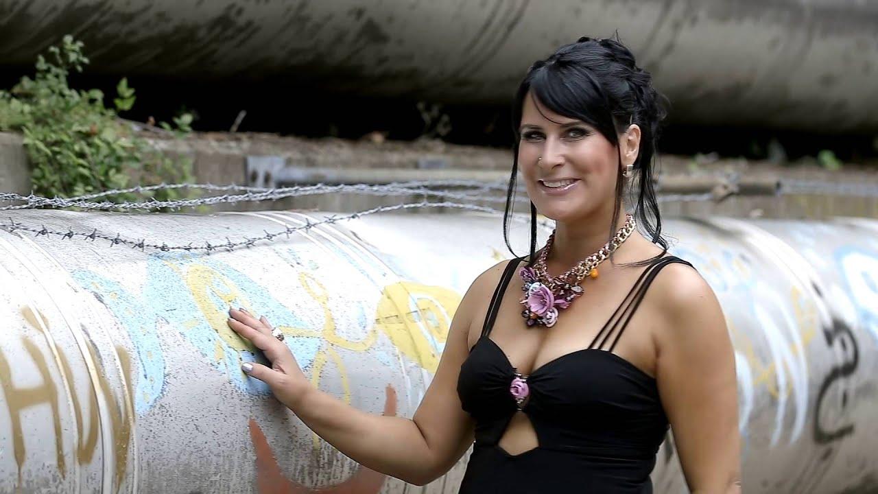 Michaela Zondler - Wir sind jung und frei - YouTube