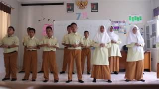 Bunda (Melly Goeslaw) By: 7A SMP Insan Cendekia Boarding School