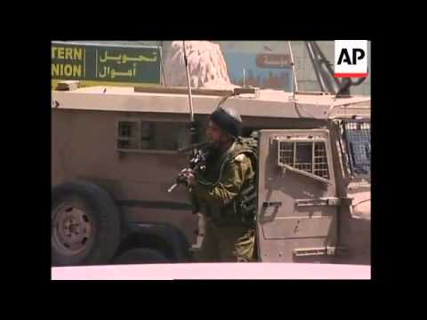 Two Palestinians killed in heavy clashes with  Israeli soldiers