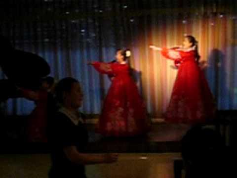 north korean girls. North Koreans waitresses
