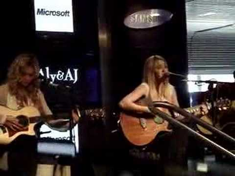 Aly & AJ - Out of the Blue (live)