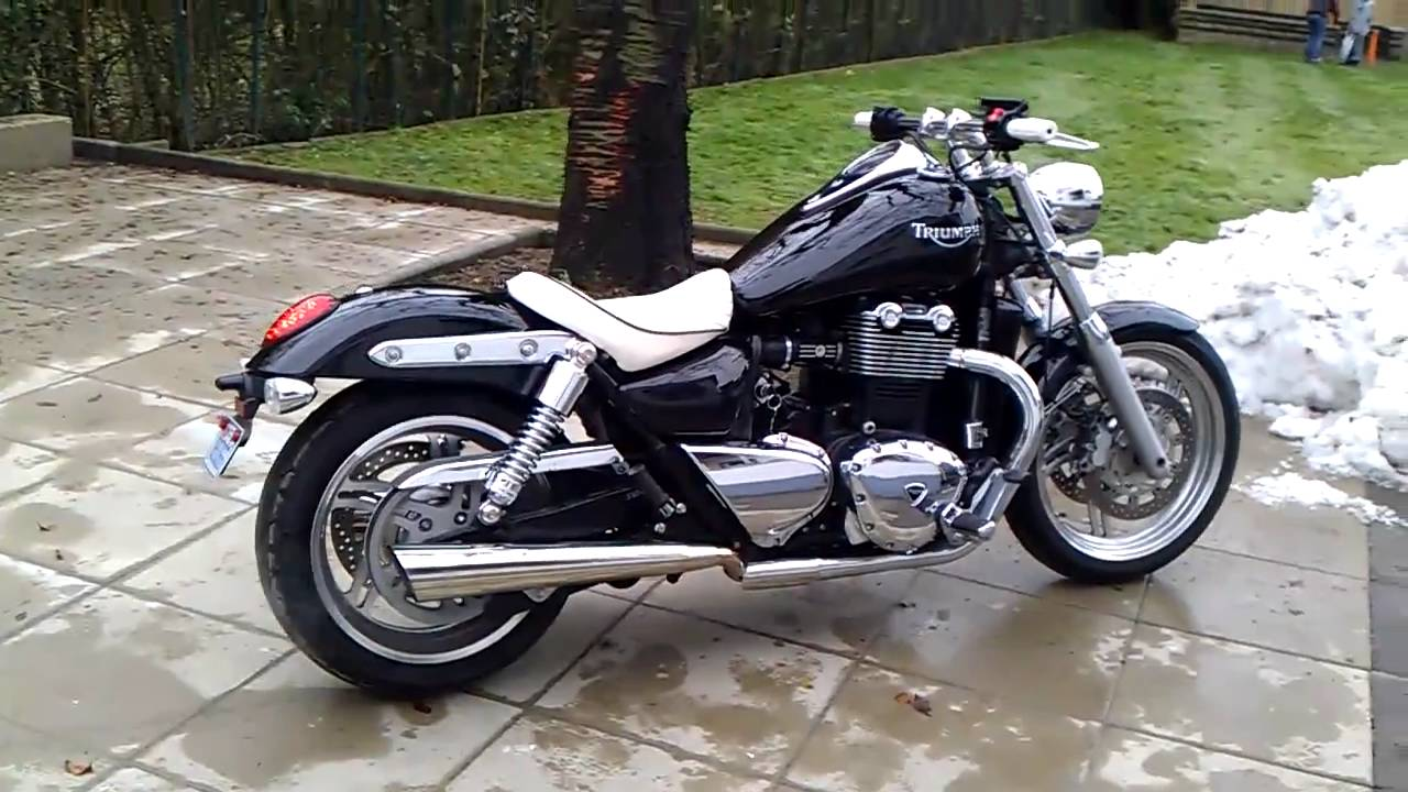 triumph thunderbird 1700 after seat grip mod youtube. Black Bedroom Furniture Sets. Home Design Ideas