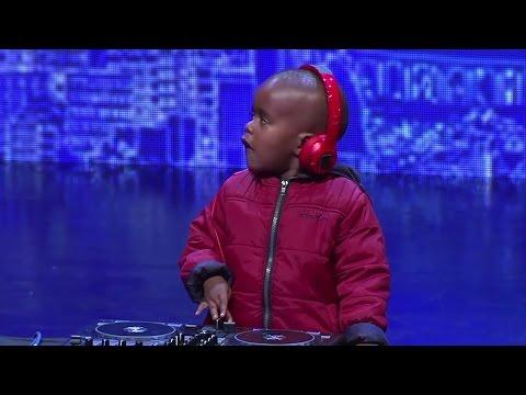 3 Yaşındaki Çocuktan Muhteşem DJ Performansı