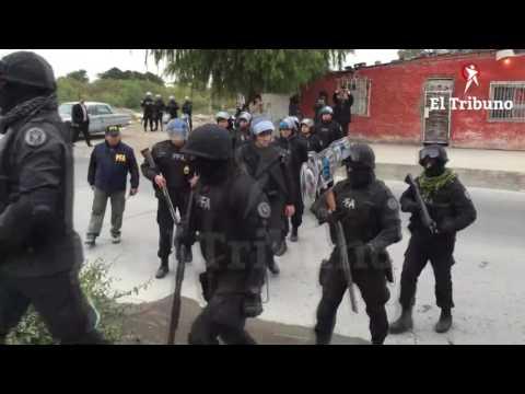 Gran operativo de la Policía Federal en barrio Ceferino