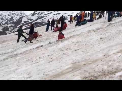 Trekking in Himachal Pradesh Rhotang Pass Snow
