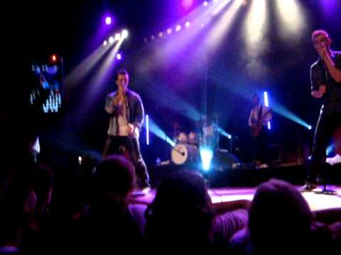 The Baseballs - I Do (Vredenburg, Utrecht, October 6th 2011)