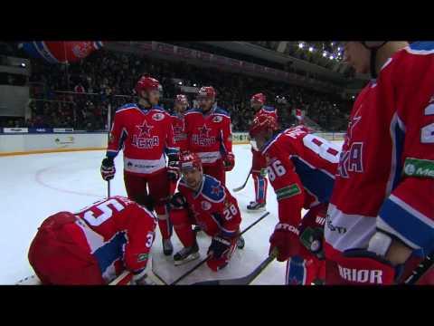 Лаланд травмируется в концовке встречи / Lalande gets injured in the very end of the game