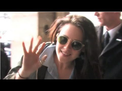 Kristen Stewart Lands in France Ahead of Fashion Week