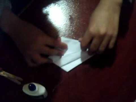 fazendo kunai de papel XD