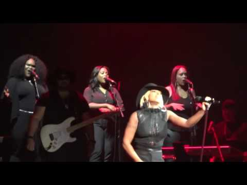 Mary J. Blige - Thick Of It (King&QueenOfHeartsWordTour) {Live@Zénith, Paris, October, 16th, 2016}