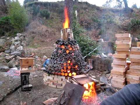 Cottura della ceramica con un forno costruito con for Forno a legna per pizza fai da te