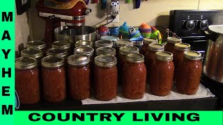 How to can tomatoes #CanningTomatoes #CountryLiving #PreservingFood