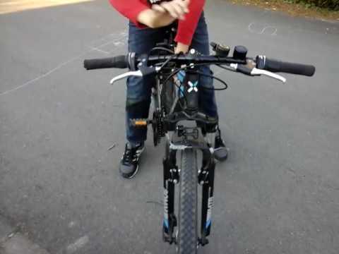 je fais des roue avec mes deux velo