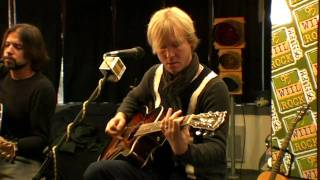 Kenny Wayne Shepherd Band - I'm a King Bee (acoustic, w/ interview)