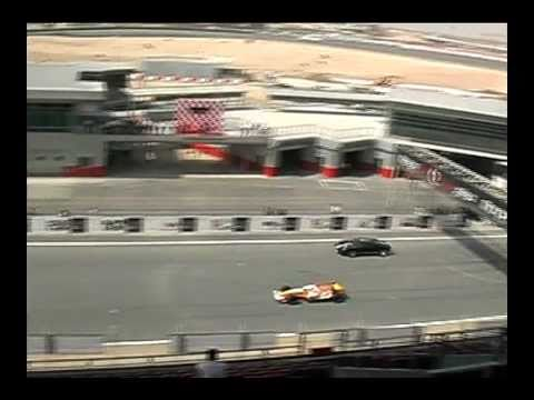 Renault F1 Crash Dubai Autodrome - Slowmotion - HD