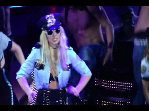 The Circus Starring Britney Spears Tour Dvd - Womanizer (encore) video