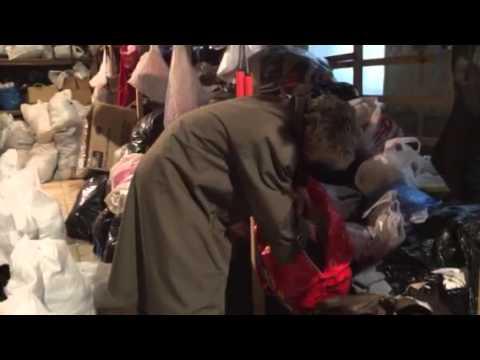 Anna Maria Corazza Bildt distributing humanitarian aid in Kiev