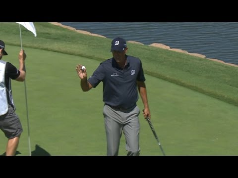 Matt Kuchar snipes the flag on No. 11 at AT&T Byron Nelson