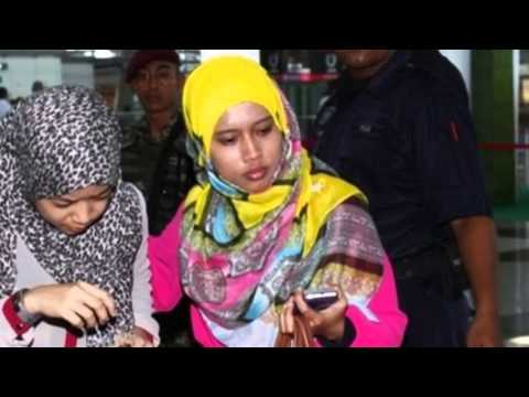 Malaysia Plane Relatives Dragged From News Conference   19 Mar 2014 MUST SEE
