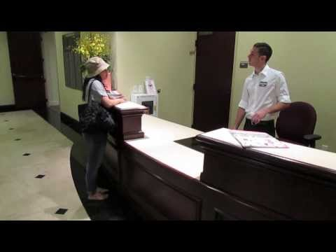 Service Demo: Great Front Desk Customer Service