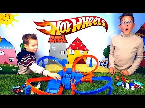 HotWheels Tracks с машинками ЗОНЫ СТОЛКНОВЕНИЯ Трасса Распаковка Обзор игрушки Unboxing 2017 Review