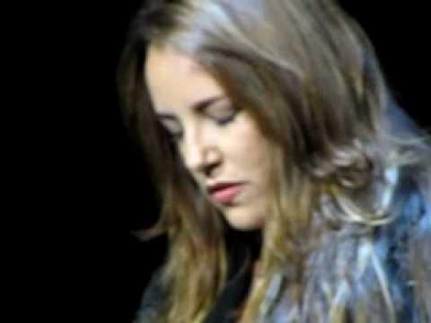Ana Carolina - Eu Grito Sozinha