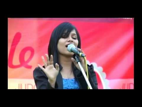 Yeh Mera Dil Pyaar Ka Deewana Live Concert By Richa Sharma video