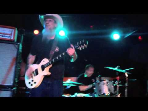 Honky -  Snortin' Whiskey  ( Pat Travers Band )