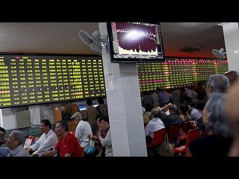 China stocks fall as investors rush to sell