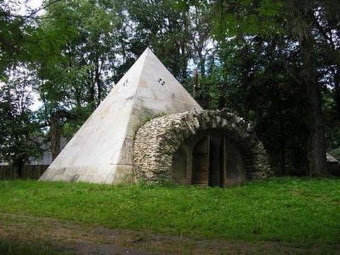 Пирамида графа Львова