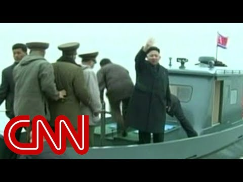 Kim Jong Un gets strange military welcome