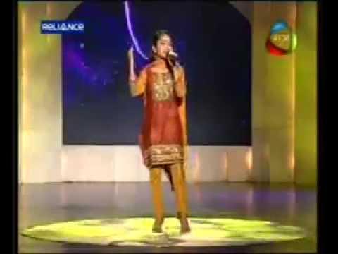 Sonia Sharma Song Apne to Apne hote hai in Mahua Channel...