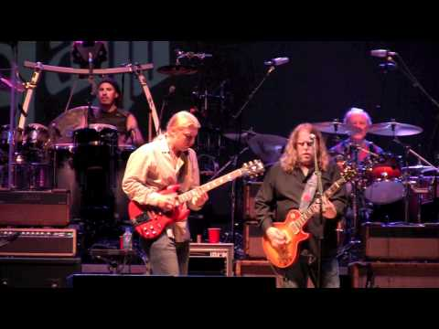 The Allman Brothers with Taj Mahal - Statesboro Blues (Wanee 2011)