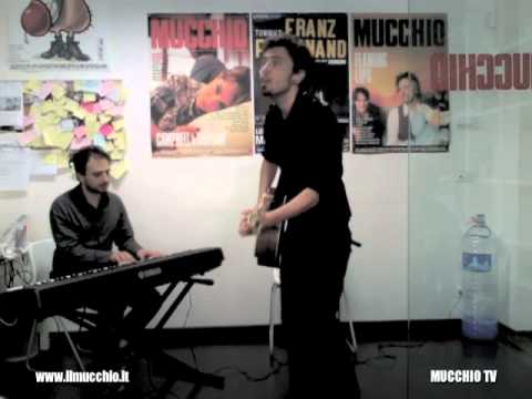 Guido Maria Grillo – Come un cane (live @ MUCCHIO TV)