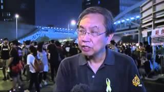 المحتجون بهونغ كونغ يهددون السلطات الصينية