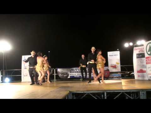 Trapani Vive 2013 – Esibizione corso avanzato – bachatango e salsa – Piazza Vittorio